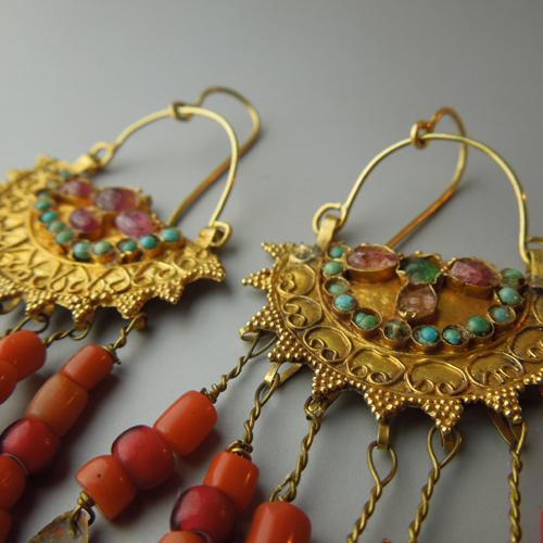Orecchini oro e corallo Turkmenistan