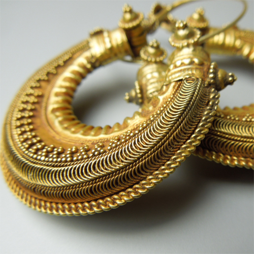 Orecchini in oro Gujarat