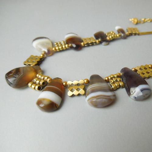 Collana con antiche agate striate