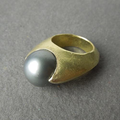 Tahiti pearl ring