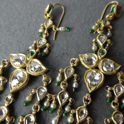 Antichi orecchini diamanti e smalto Rajastan